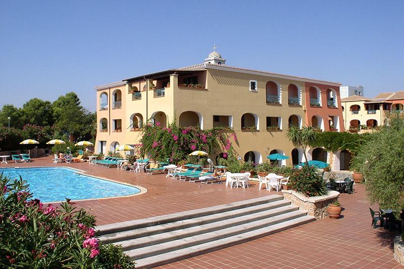 Hotel Torre Moresca Pool 2